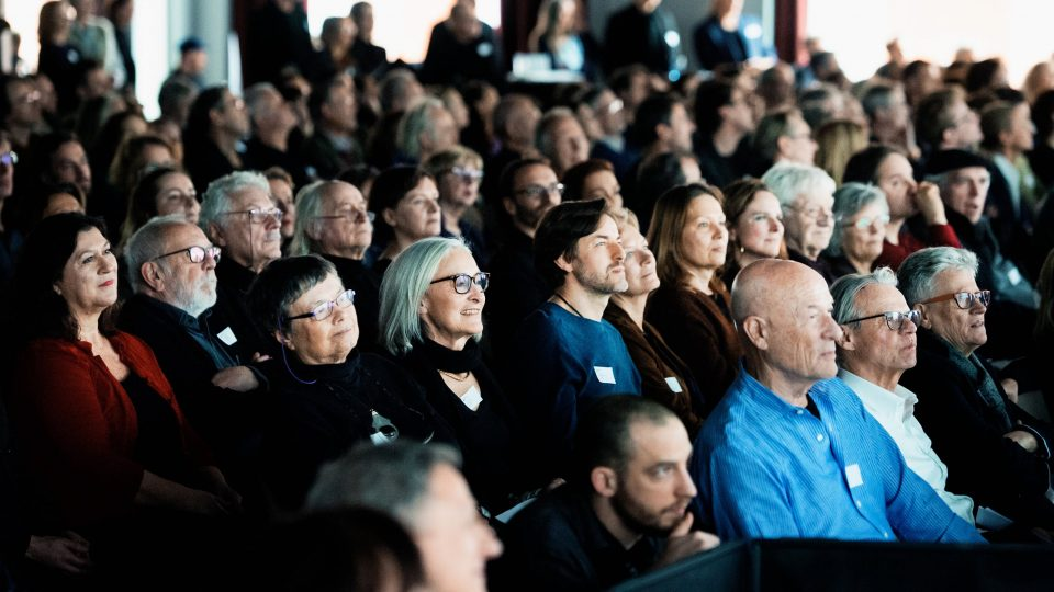 Bei der Mitgliederversammlung / © Florian Liedel · Deutsche Filmakademie