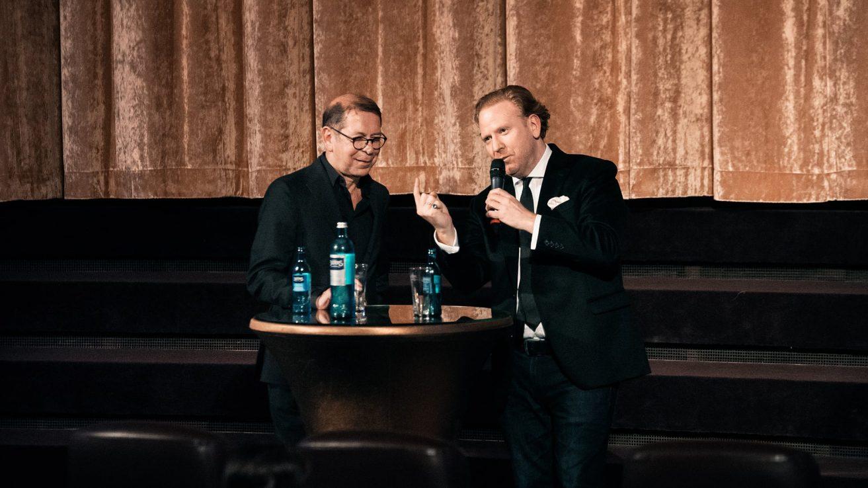 Daniel Hope mit Claudius Seidl · © Florian Liedel / Deutsche Filmakademie