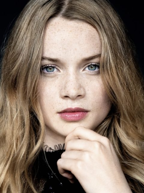 Profilbild von Luna Wedler